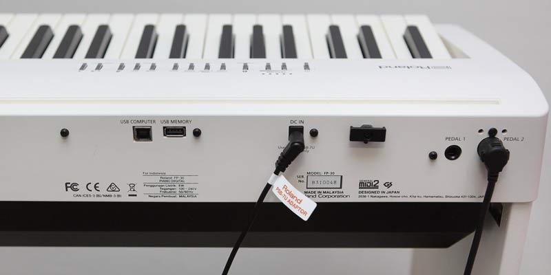 Roland FP-30 connectors