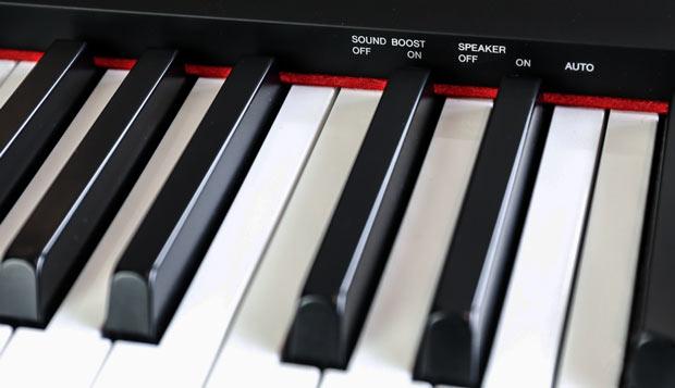Yamaha P125 keyboard