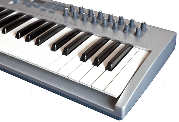 Synth unweighted key action