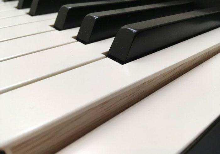 Roland FP-90 wood keys