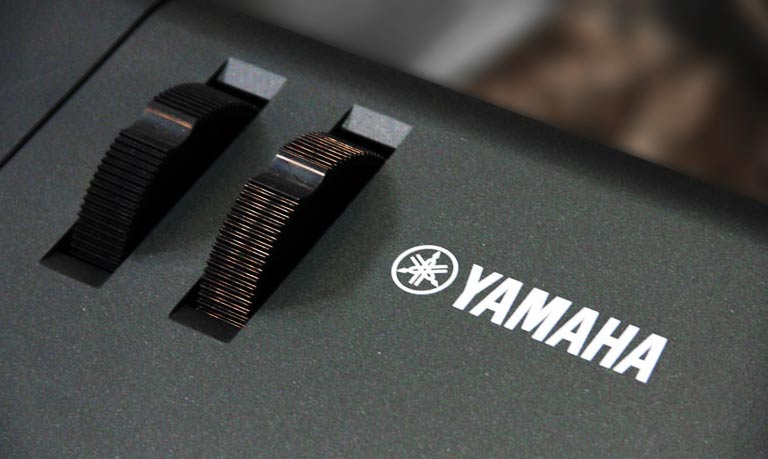 Yamaha MX88 pitch bend mod wheel