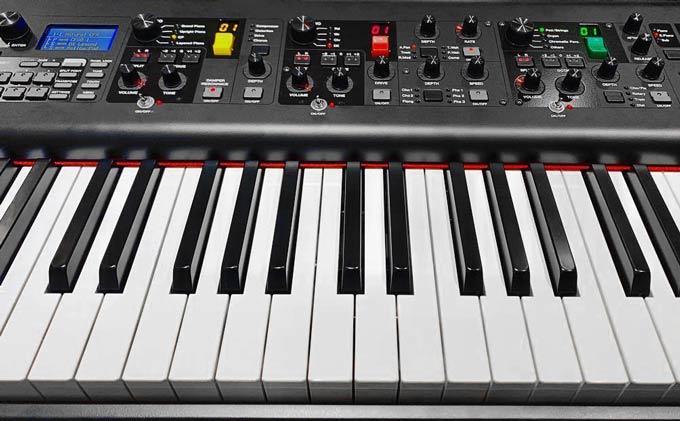 Yamaha CP73 BHS keyboard
