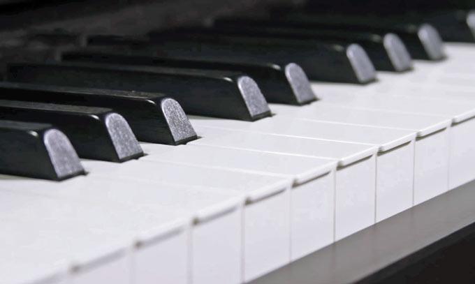 Yamaha YDP-184 keyboard