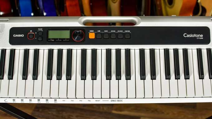 Casio CT-S200 front