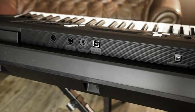 Yamaha PSR-E363 PSR-EW300 ports jacks