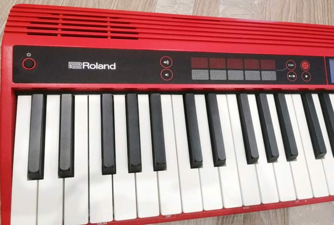 Roland GO:Keys controls