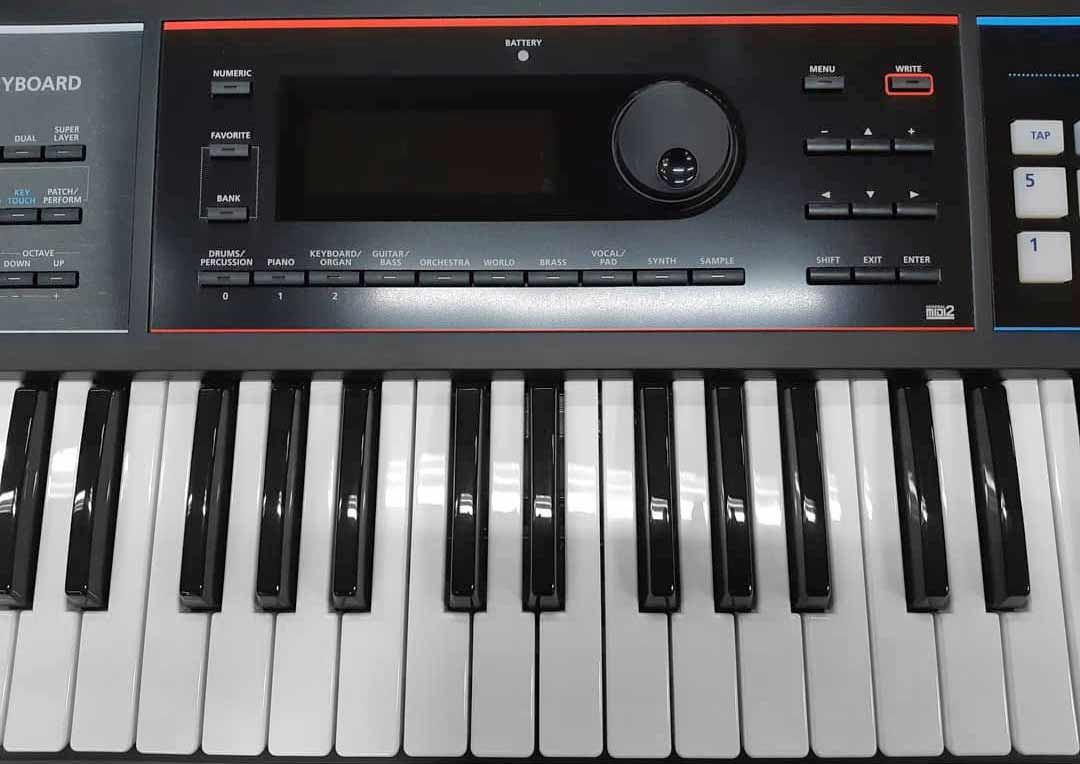 Roland JUNO-DS61 keys