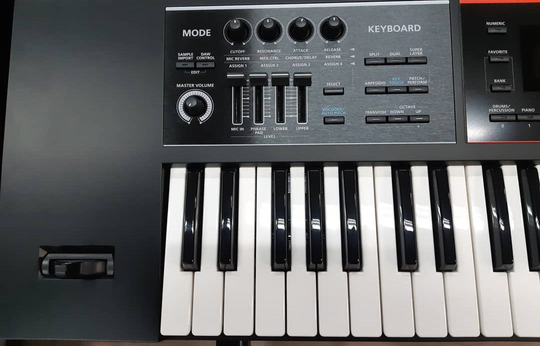 Roland JUNO-DS knobs sliders