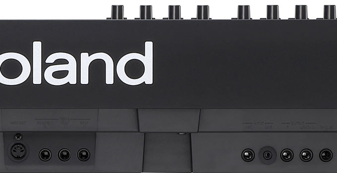 Roland RD-88 audio jacks
