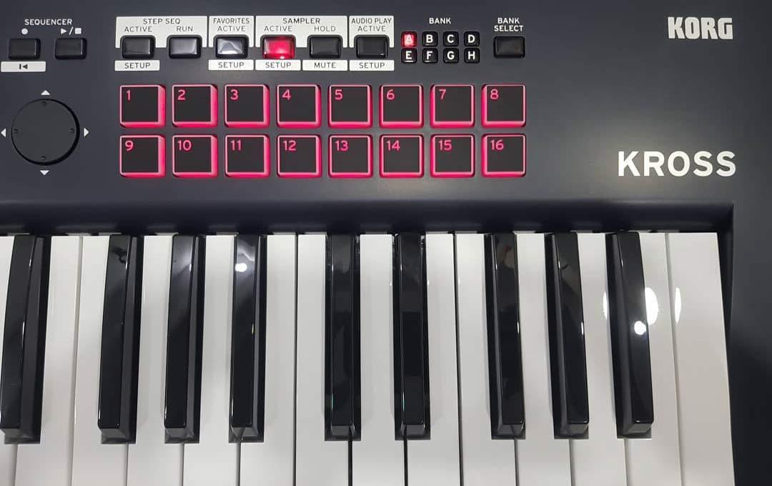 Korg Kross 2 keys 61