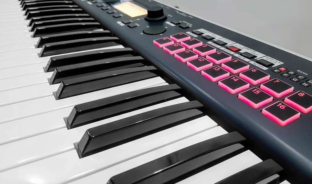 Korg Kross 2 61 keyboard