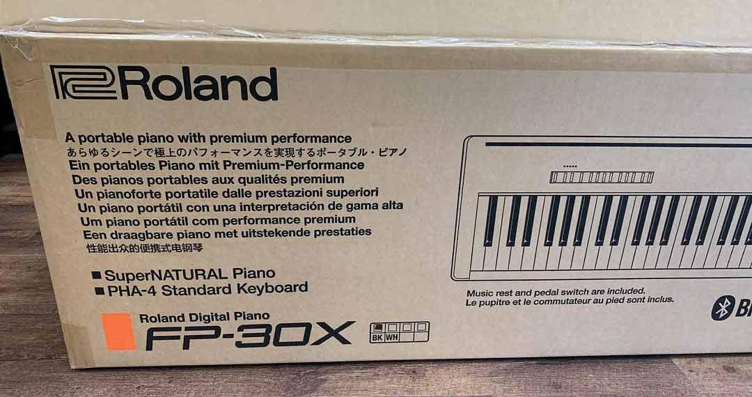 Roland FP-30X Box